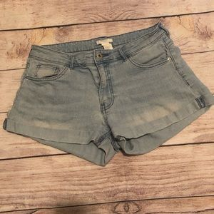 H&M Ladies Light Wash Jean Shorts